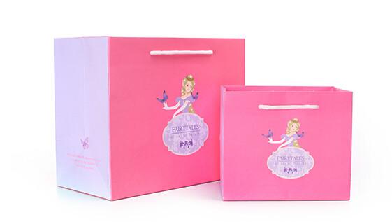 蝴蝶公主时尚化妆品白卡纸袋定制