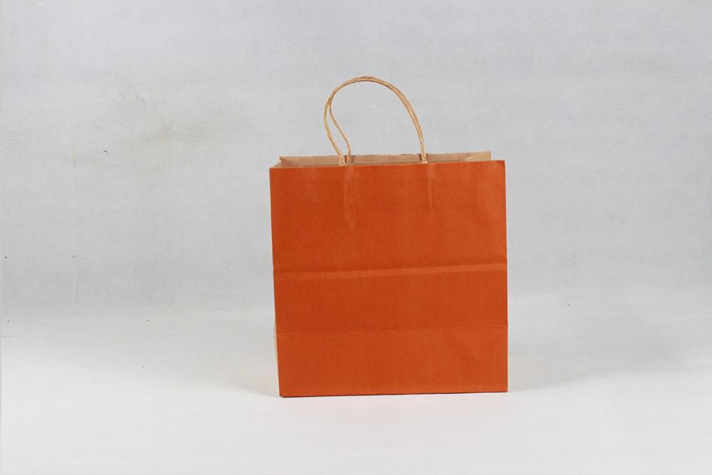 橘色打包牛皮纸袋