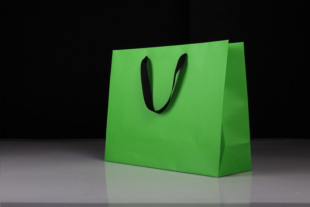 高档白卡礼品纸袋